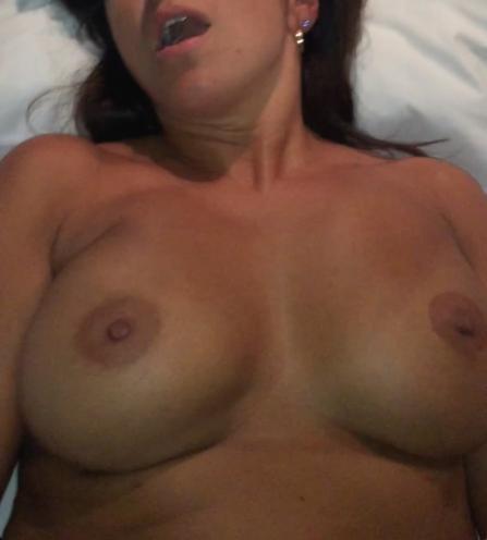 Sexy Mom Close up tits